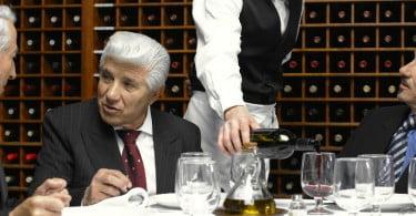 Espanhóis baixam consumo em restaurantes