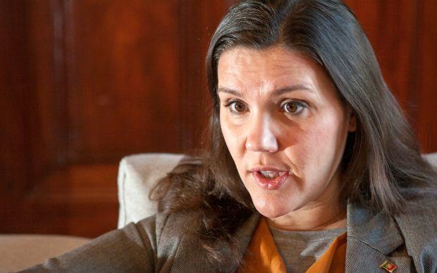 Ministra da Agricultura congratula-se com resolução do problema da Casa do Douro
