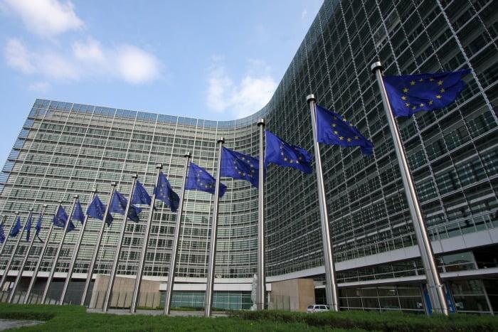 Comissão Europeia quer criar cadeia de abastecimento mais justa