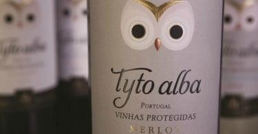 garrafa vinho Tyto Alba