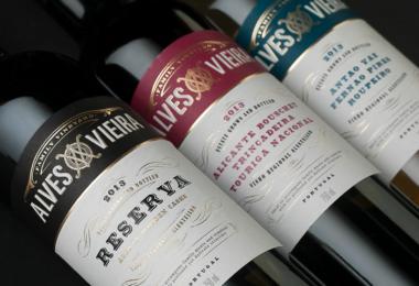 Alves Vieira - garrafas de vinho - Vida Rural