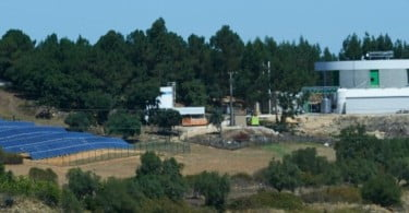 Montiqueijo fábrica e central fotovoltaica Vida Rural