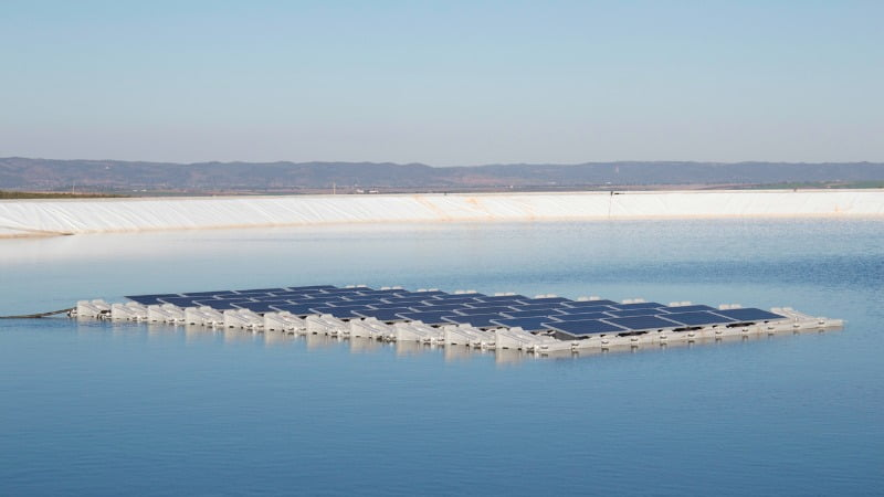 paineis fotovoltaicos fLutuantes EDIA