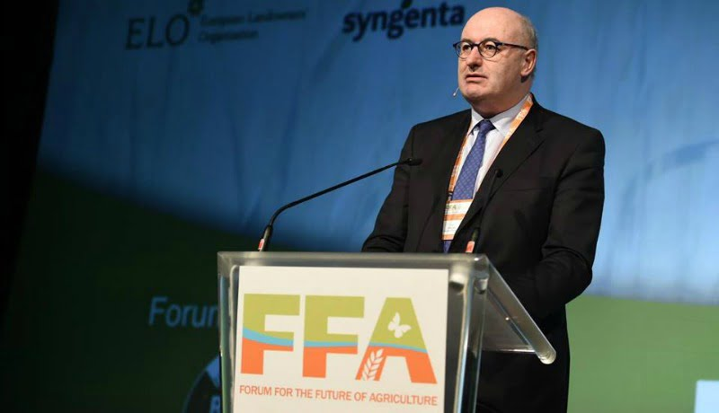 Phil Hogan Comissário Europeu para a Agricultura FFA  Vida Rural