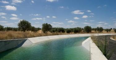 Armazenamento de água nas bacias hidrográficas volta a descer em agosto
