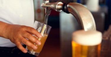 Imposto sobre a cerveja pode voltar a subir