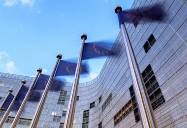 Comissão Europeia compromete-se a proteger agricultores de práticas de comércio desleais