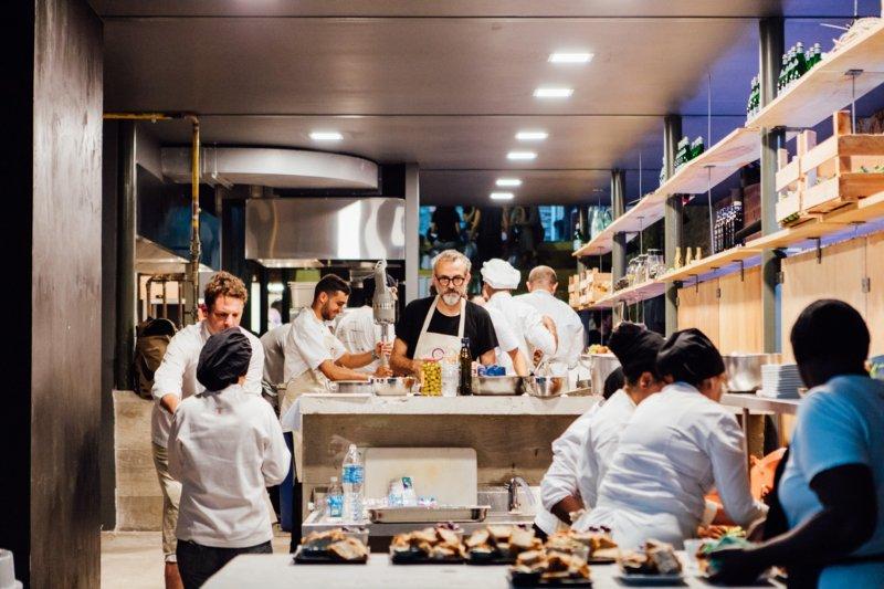"""Massimo Bottura: """"Decidimos alimentar o planeta à nossa maneira"""""""