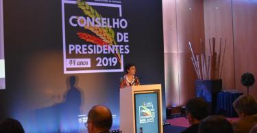 Ministra da Agricultura diz que é preciso apoiar a pequena agricultura e promover a renovação geracional