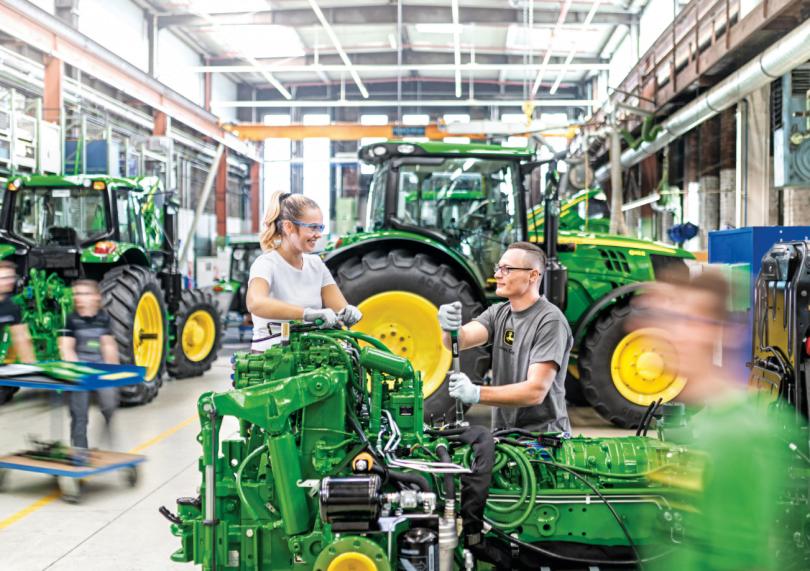 John Deere mantém a atividade em todos os centros de produção