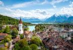 Duas iniciativas de referendo exigem reformas radicais da agricultura e produção de alimentos na Suíça e vão a votos em junho.