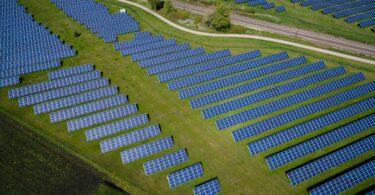 O Ministério da Agricultura, no âmbito do PDR 2020, lançou dois apoios para a instalação de painéis fotovoltaicos.